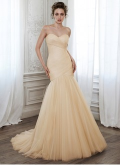 Trumpet/Mermaid Strapless Sweetheart Court Train Chiffon Tulle Wedding Dress With Ruffle