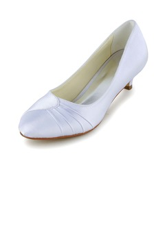 Vrouwen Satijn Kitten Hak Closed Toe Pumps met Ruches  ...