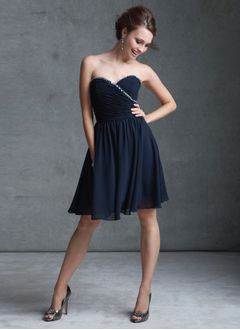 A-Line/Princess Strapless Sweetheart Knee-Length Chiffon Bridesmaid Dress With Ruffle Beading