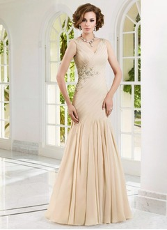 Trumpet/Mermaid V-neck Floor-Length Chiffon Mother of the Bride Dress With Ruffle Appliques Lace