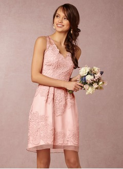 A-Line/Princess V-neck Knee-Length Organza Bridesmaid Dress With Lace