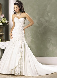 A-Line/Princess Sweetheart Court Train Taffeta Lace Wedding Dress With Beading Cascading Ruffles