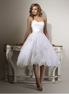 A-Line/Princess Strapless Sweetheart Tea-Length Organza Satin Wedding Dress With Ruffle Beading Appliques Lace