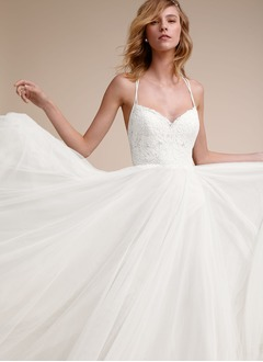 A-Line/Princess Sweetheart Sweep Train Tulle Wedding Dress With Lace