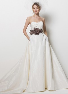 A-Line/Princess Sweetheart Chapel Train Taffeta Wedding Dress With Ruffle Sash