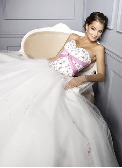 Ball-Gown Strapless Sweetheart Floor-Length Tulle Prom Dress With Embroidered Sash Beading