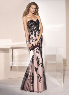 Trumpet/Mermaid Strapless Sweetheart Sweep Train Satin Tulle Evening Dress With Appliques Lace