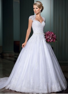 Ball-Gown Sweetheart Court Train Organza Wedding Dress With Appliques Lace