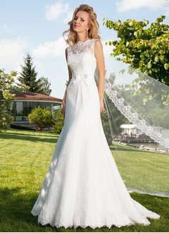 Trumpet/Mermaid Scoop Neck Court Train Lace Wedding Dress With Bow(s)