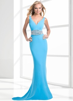 Trumpet/Mermaid V-neck Court Train Chiffon Evening Dress With Ruffle Beading