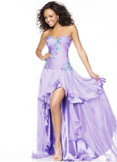 A-Line/Princess Strapless Sweetheart Asymmetrical Chiffon Charmeuse Prom Dress With Appliques Lace