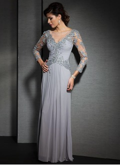 A-Line/Princess V-neck Floor-Length Chiffon Tulle Mother of the Bride Dress With Ruffle Lace