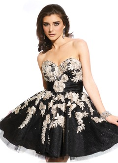 A-Line/Princess Strapless Sweetheart Short/Mini Tulle Charmeuse Prom Dress With Ruffle Beading Appliques Lace