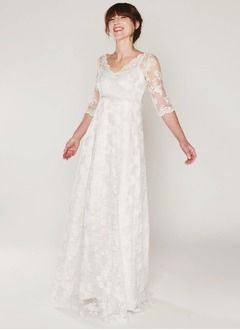 A-Line/Princess V-neck Sweep Train Chiffon Lace Wedding Dress