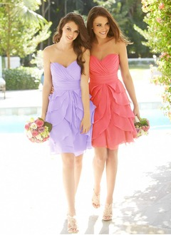 A-Line/Princess Strapless Sweetheart Knee-Length Chiffon Homecoming Dress With Ruffle