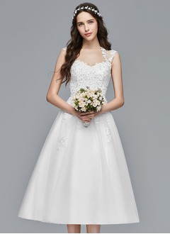 A-Line/Princess Sweetheart Tea-Length Tulle Wedding Dress With Appliques Lace