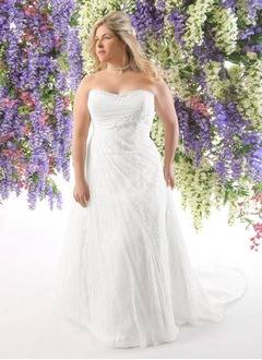 A-Line/Princess Strapless Sweetheart Court Train Tulle Lace Wedding Dress With Ruffle Beading