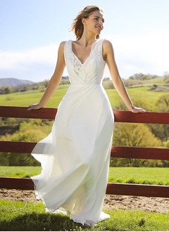 A-Line/Princess V-neck Sweep Train Chiffon Wedding Dress With Lace Flower(s)