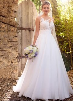 A-Line/Princess Scoop Neck Chapel Train Chiffon Wedding Dress With Lace