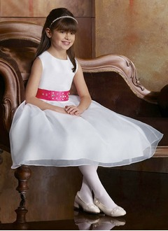 A-Line/Princess Scoop Neck Tea-Length Organza Satin Flower Girl Dress With Sash Beading