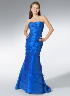 Trumpet/Mermaid Strapless Sweetheart Sweep Train Taffeta Prom Dress With Ruffle