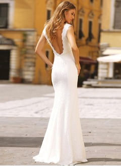 Trumpet/Mermaid Scoop Neck Sweep Train Lace Wedding Dress With Beading