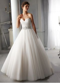 Ball-Gown Strapless Sweetheart Chapel Train Chiffon Wedding Dress With Ruffle Beading