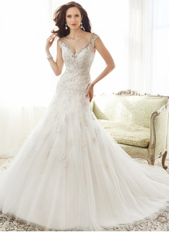 Trumpet/Mermaid V-neck Royal Train Tulle Lace Wedding Dress With Beading