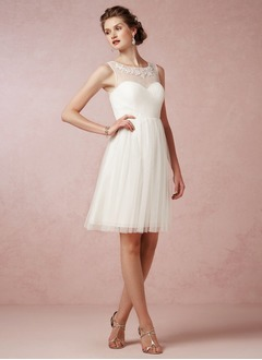 A-Line/Princess Scoop Neck Knee-Length Tulle Wedding Dress With Ruffle Lace