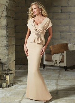 Sheath/Column V-neck Floor-Length Satin Mother of the Bride Dress With Lace Beading Crystal Brooch