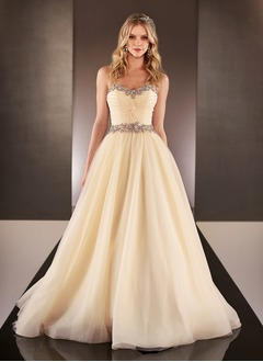 A-Line/Princess Strapless Sweetheart Court Train Organza Wedding Dress With Ruffle Beading