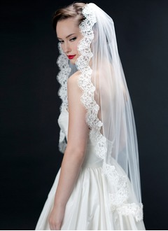 One-tier Fingertip Bridal Veils With Lace Applique Edge (00605003635)