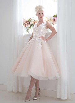 A-Line/Princess V-neck Tea-Length Tulle Lace Wedding Dress