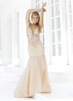 Trumpet/Mermaid Sweetheart Court Train Organza Prom Dress With Beading