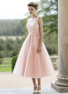 A-Line/Princess Scoop Neck Tea-Length Tulle Wedding Dress With Ruffle Lace Flower(s)