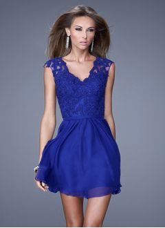A-linje V-hals Kort/Mini Chiffon Homecoming Kjole med Applikationer Lace