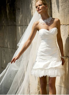 A-Line/Princess Strapless Sweetheart Short/Mini Taffeta Wedding Dress With Ruffle