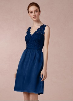 A-Line/Princess V-neck Knee-Length Organza Lace Bridesmaid Dress With Ruffle Bow(s)