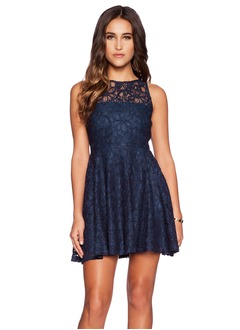 A-Line/Princess Scoop Neck Short/Mini Lace Cocktail Dress