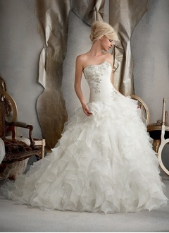 Ball-Gown Strapless Sweetheart Chapel Train Organza Wedding Dress With Ruffle Beading Cascading Ruffles