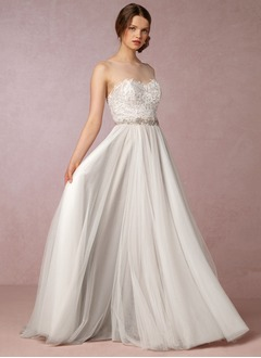A-Line/Princess Scoop Neck Sweep Train Tulle Wedding Dress With Appliques Lace