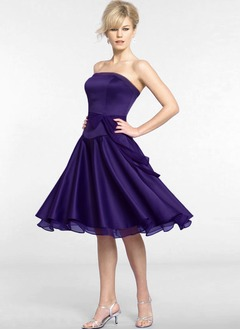 A-Line/Princess Strapless Knee-Length Chiffon Charmeuse Cocktail Dress With Sash