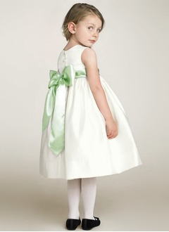 A-Line/Princess Scoop Neck Tea-Length Taffeta Flower Girl Dress With Sash