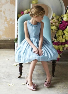 A-Line/Princess Scoop Neck Knee-Length Taffeta Flower Girl Dress With Ruffle (01005009873)