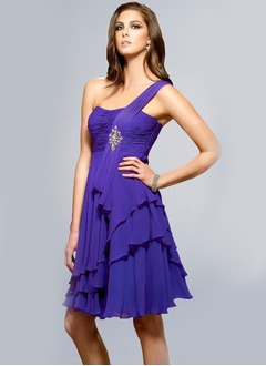 A-Line/Princess One-Shoulder Knee-Length Chiffon Charmeuse Homecoming Dress With Ruffle