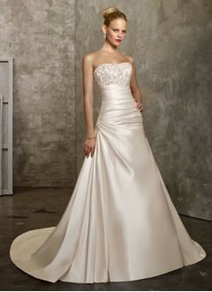 A-Line/Princess Strapless Sweetheart Chapel Train Satin Wedding Dress With Ruffle Lace Beading