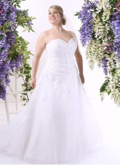 A-Line/Princess Strapless Sweetheart Chapel Train Tulle Wedding Dress With Beading Appliques Lace Sequins