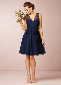A-Line/Princess V-neck Knee-Length Chiffon Bridesmaid Dress With Ruffle (0075059680)
