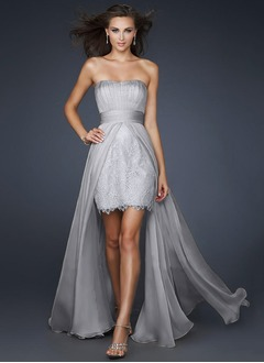 Sheath/Column Strapless Square Neckline Asymmetrical Chiffon Cocktail Dress With Lace Appliques Lace