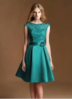 A-Line/Princess Scoop Neck Knee-Length Satin Lace Prom Dress With Beading Flower(s)